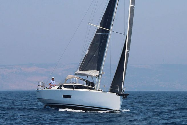 Le barche a vela Elan cambiano i distributori in Francia