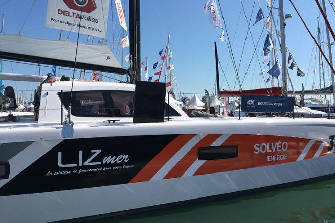 Le società di leasing sono i principali attori del settore nautico, come Lizmer, sponsor di un catamarano nella Route du Rhum