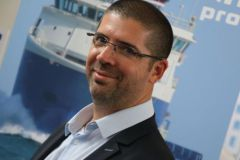Benoit Massard Combe, directeur marketing de Vidal Diffusion Marine et Reya