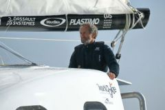 Michel Desjoyeaux à la barre du catamaran Z2015 de Mer Agitée