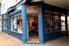 Henri Lloyd, il marchio di abbigliamento per il mare in amministrazione controllata