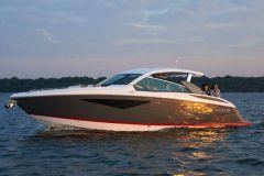 Vedette A36 de Cobalt Boats