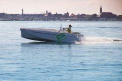 Barca elettrica con motore Aquamot