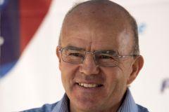 Jean-Yves Le Déroff quitte la direction de l'Ecole Nationale de Voile et des Sports Nautiques