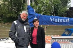 Annick Girardin, il nuovo ministro del mare, con Jean-Luc Van den Heede